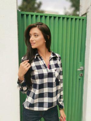 Карирана блуза